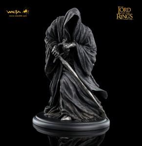 LOTRRingwraitha2a 291x300 Weta: статуэтка Назгула!